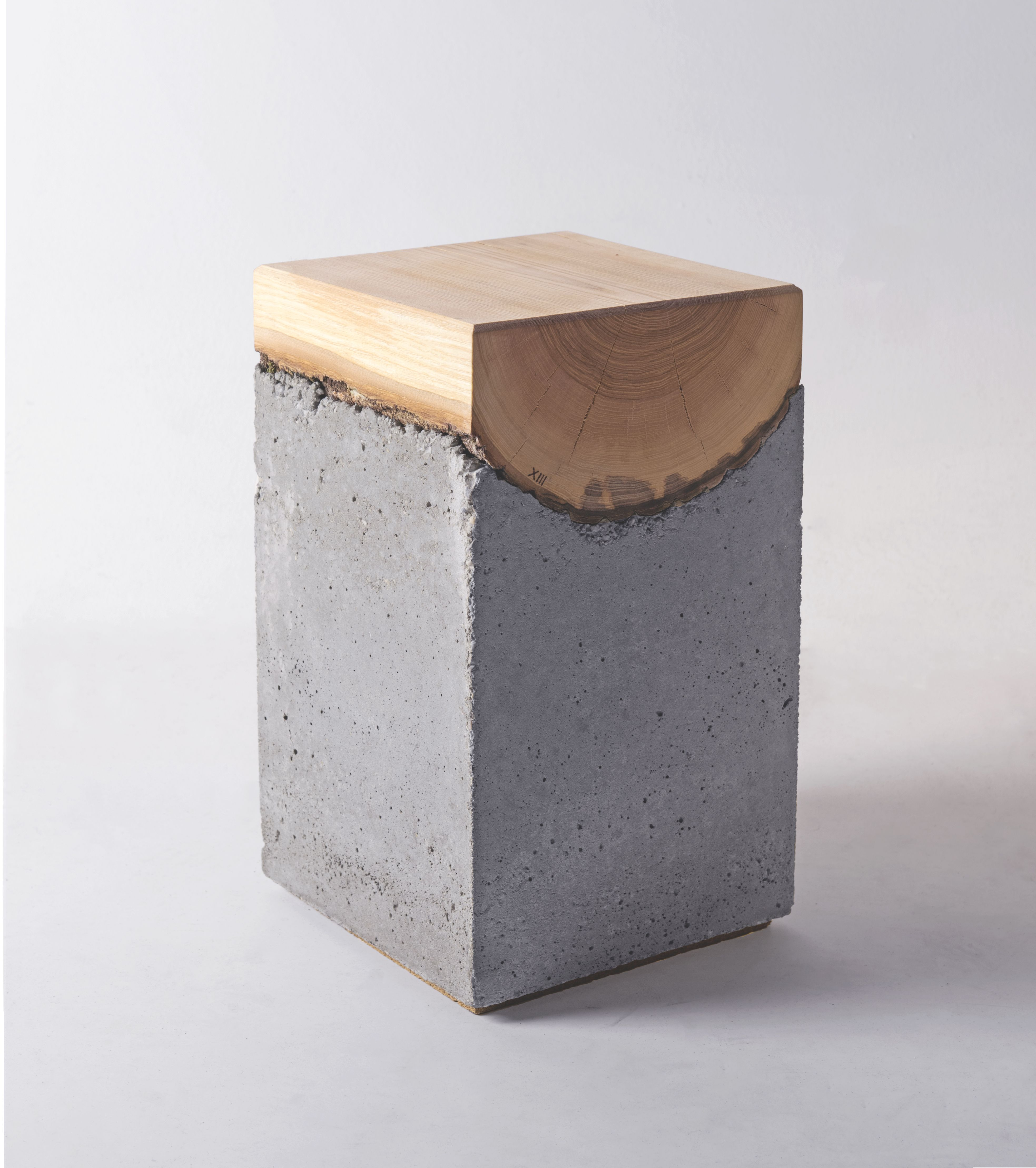 Holz Trifft Beton Der Hocker Von Kon Kret Hocker Holz Holz Hocker