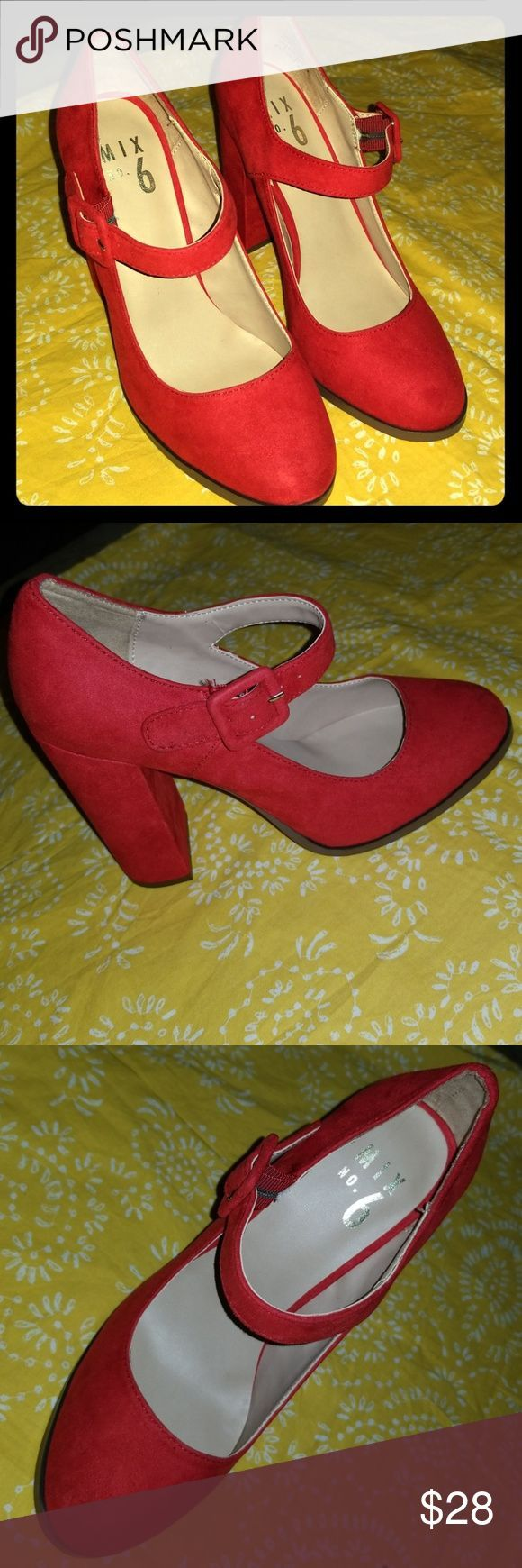 Red chunky heels Beautiful red chunky heels New Size 65 The heel is 3 inch  Red chunky heels Beautiful red chunky heels New Size 65 The heel is 3 inch
