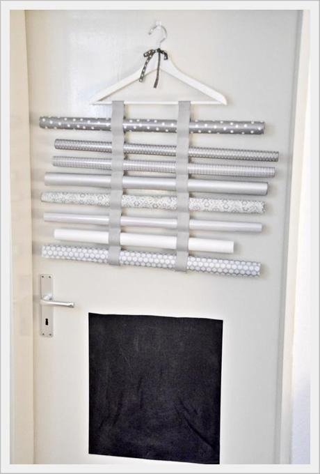 geschenkpapier rollenhalter decorative paper holder orga. Black Bedroom Furniture Sets. Home Design Ideas