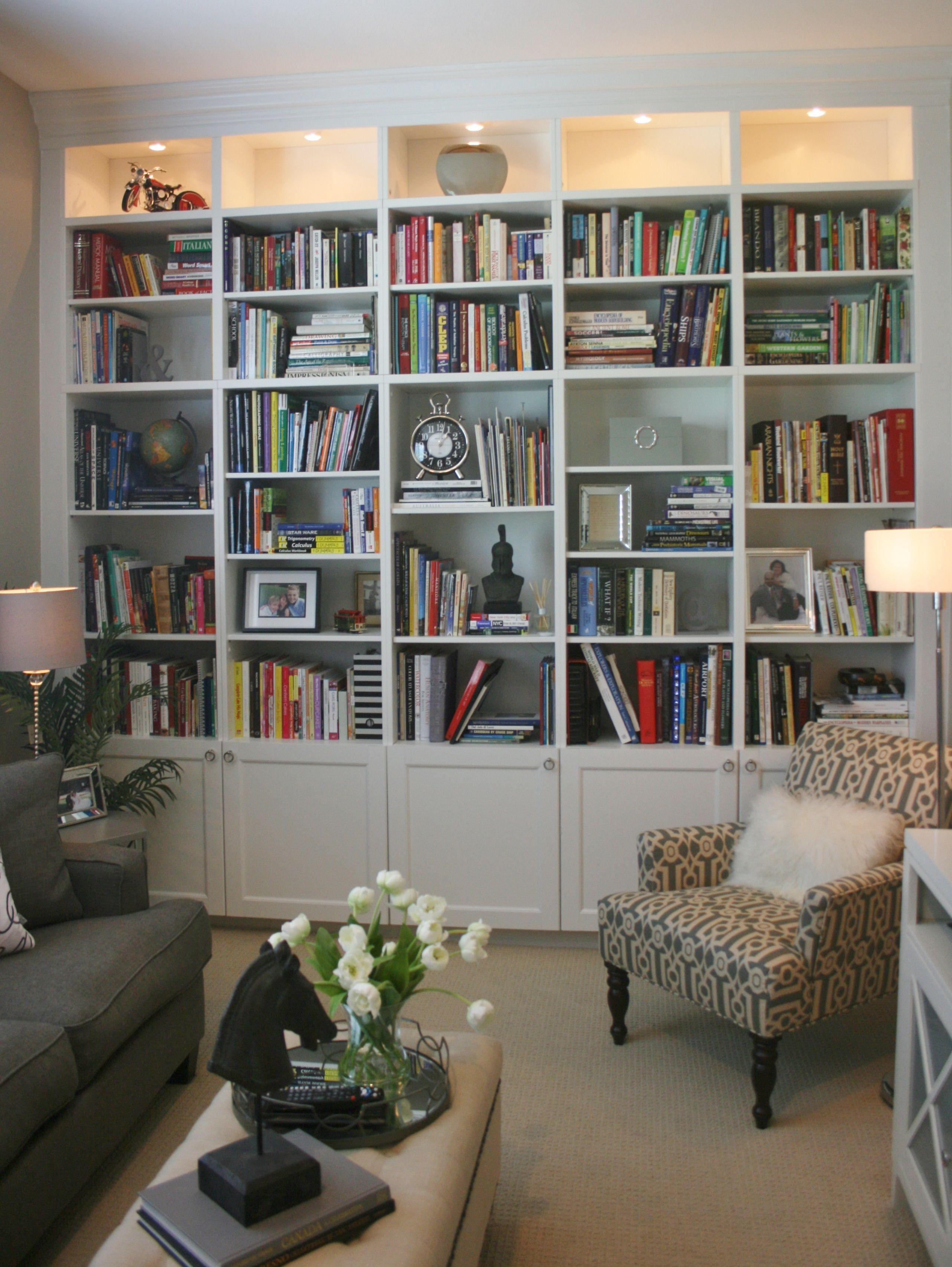 Family Room Bookshelf Decorating Ideas