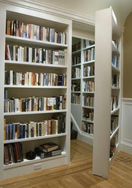 Superbe Secret Bookshelf Door!
