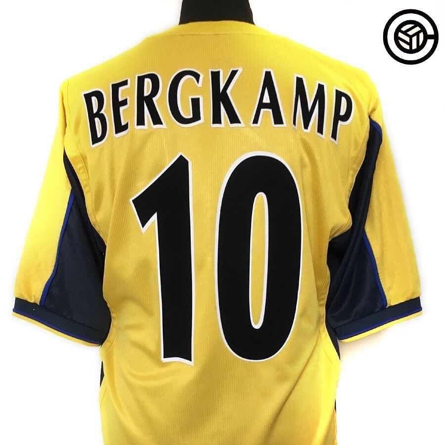 13e302b2e 1999 01 Arsenal away football shirt L BERGKAMP  10 Link in bio Seller    cultfootball  arsenal  uta  afc  bergkamp  dennisbergkamp  footballshirt    ...