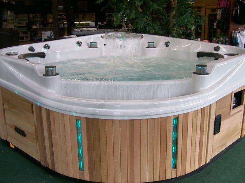 Infinity Edge Hot Tub