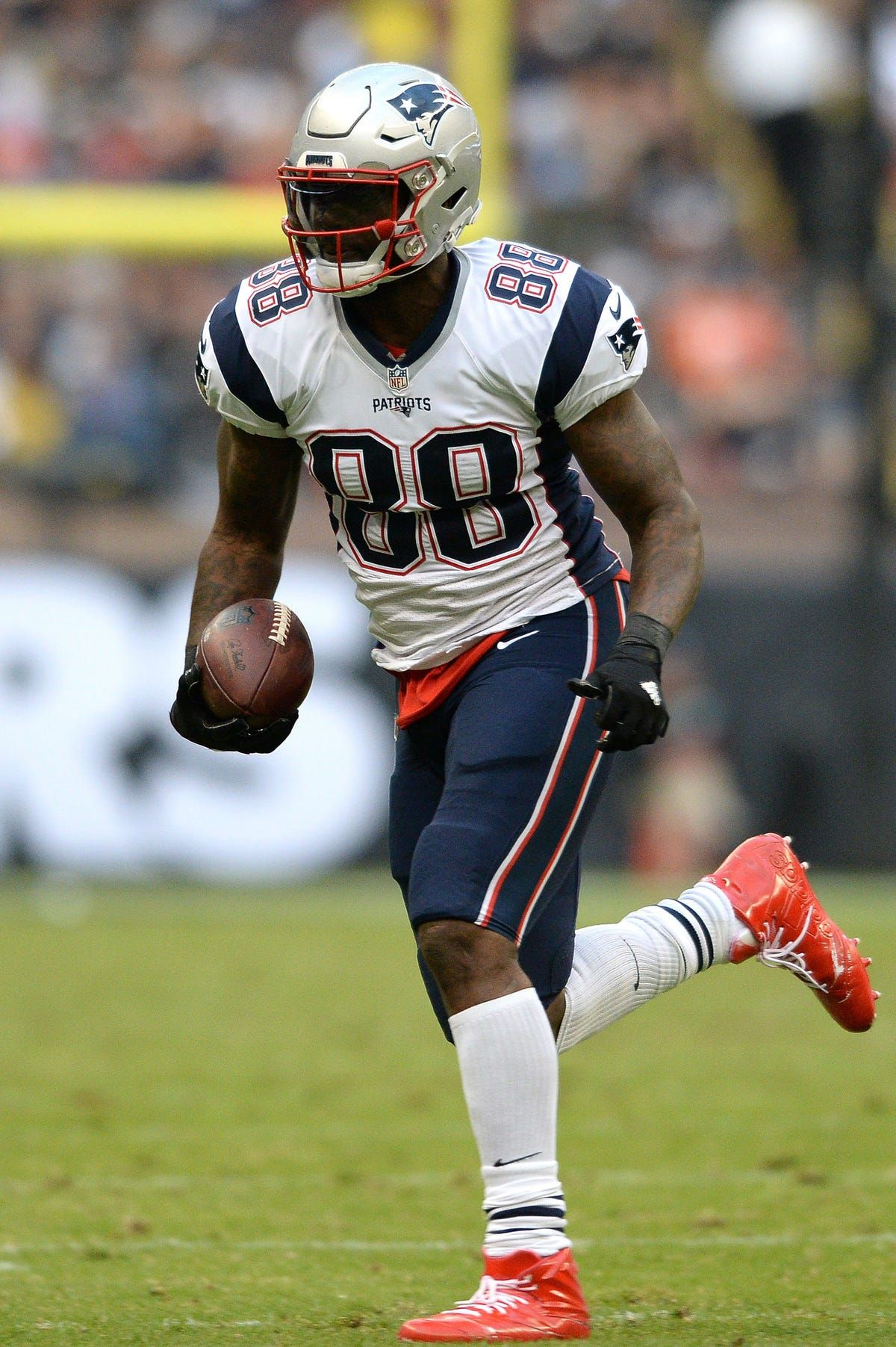 Nfl Protests Martellus Bennett Says White Qb Would Change Is The Perfect High Quality Nfl Superbowl Wallpaper With Hd Res Nfl Nfl Flag Football Corvette Summer