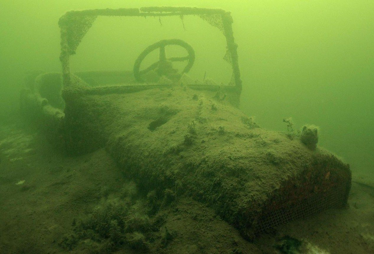 titanic underwater skeletons harvest pinterest