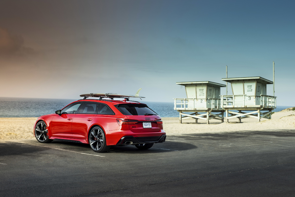 2020 Audi Rs6 Avant Looks Simply Spectacular Under The California Sun Carscoops Audi Rs6 Audi Audi Rs