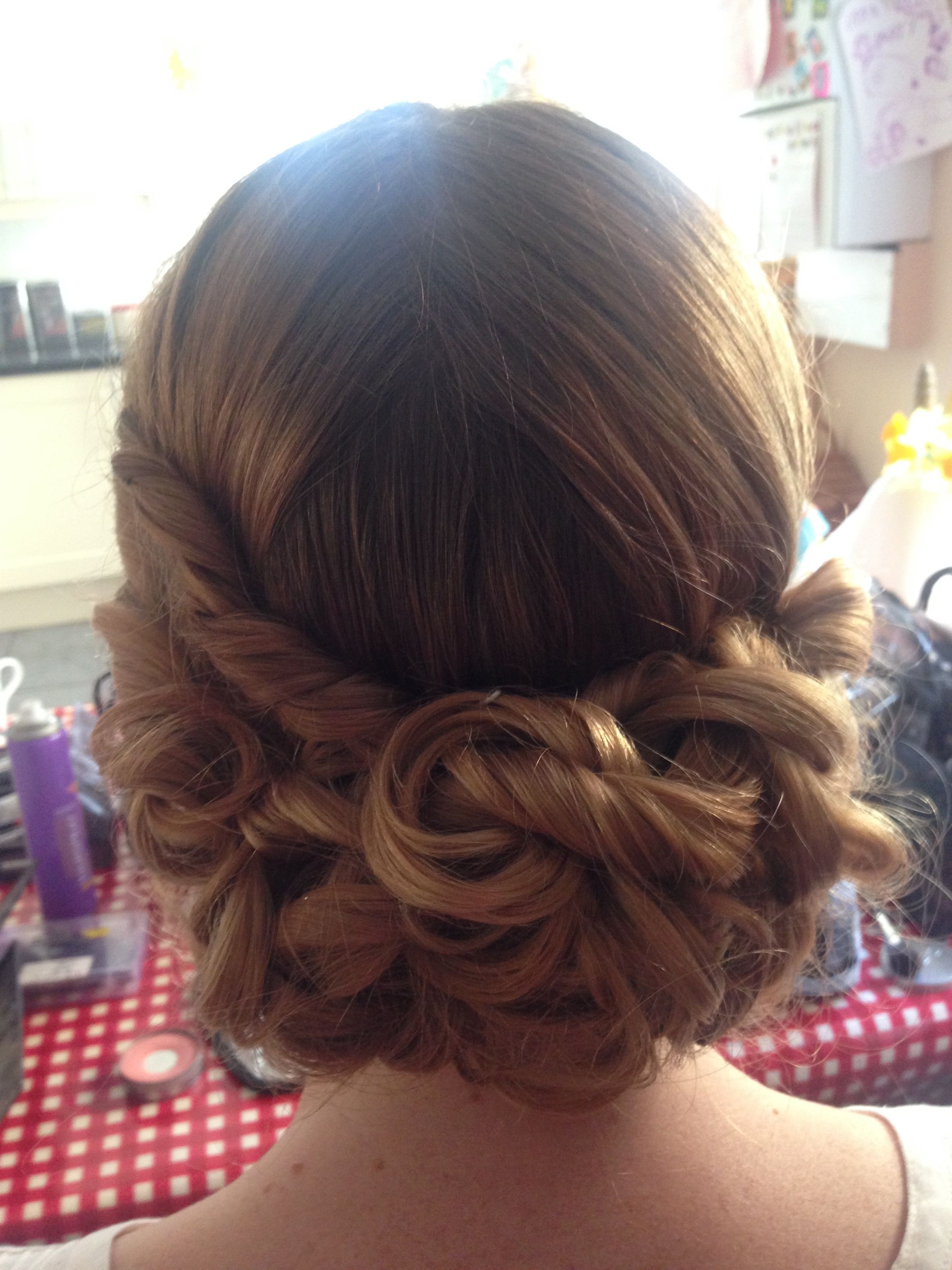 One of our brides at her trial hair lipstick u curls