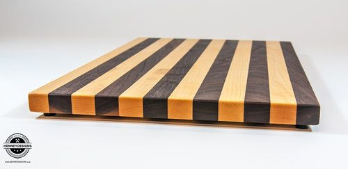 Face Grain Maple and Walnut cutting board  Dimensions: Aprox  11 1/2