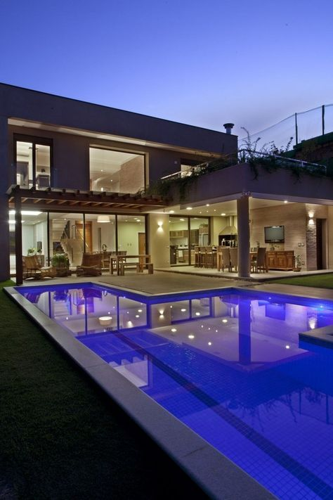 Pin de jos salazar em finca casas casas modernas e for Decoracion de casas brasilenas