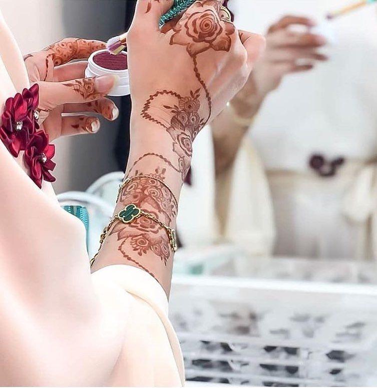 ام تركي نقاشه في المدينه المنوره Hana4931 Hana4931 نقاشه نقاشه المدينه المنوره نقاشه المدي Henna Flower Designs Henna Art Designs Mehndi Designs For Girls