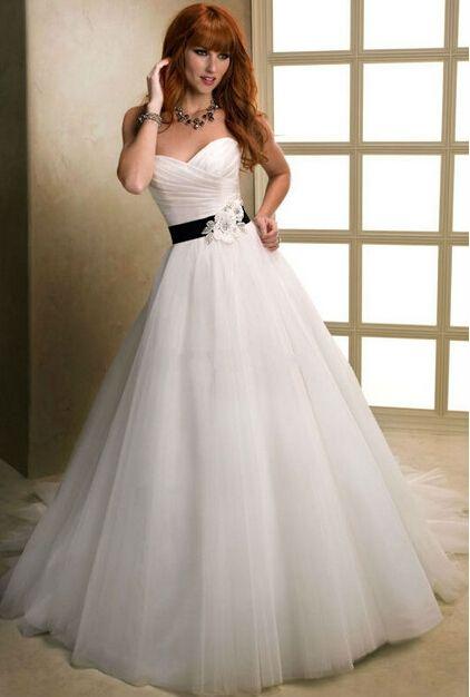Specials White Chiffon Ball Gown Sleeveless Low Cut Wedding Dress ...