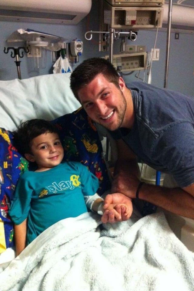 Tim Tebow at Wolfsons Children's Hospital (November 1, 2012)