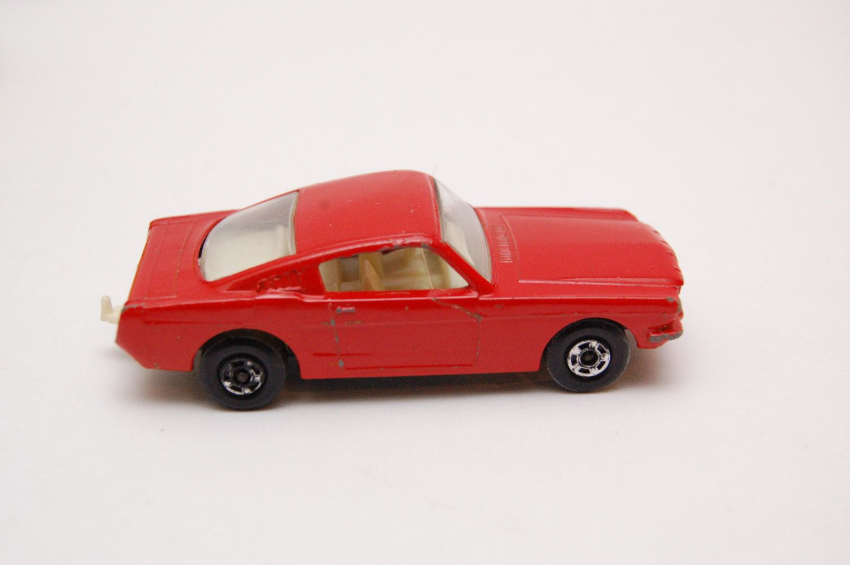 Matchbox No 8 Ford Mustang