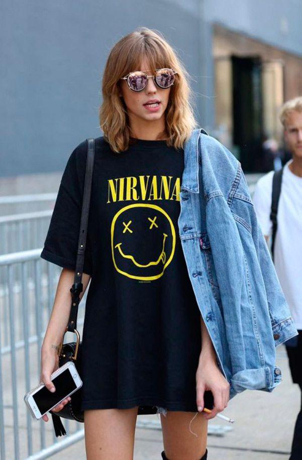 a1a95e873893 Street style look com camiseta vestido. Mais Camisa Oversized, Vestido  Tumblr, Band Tshirt