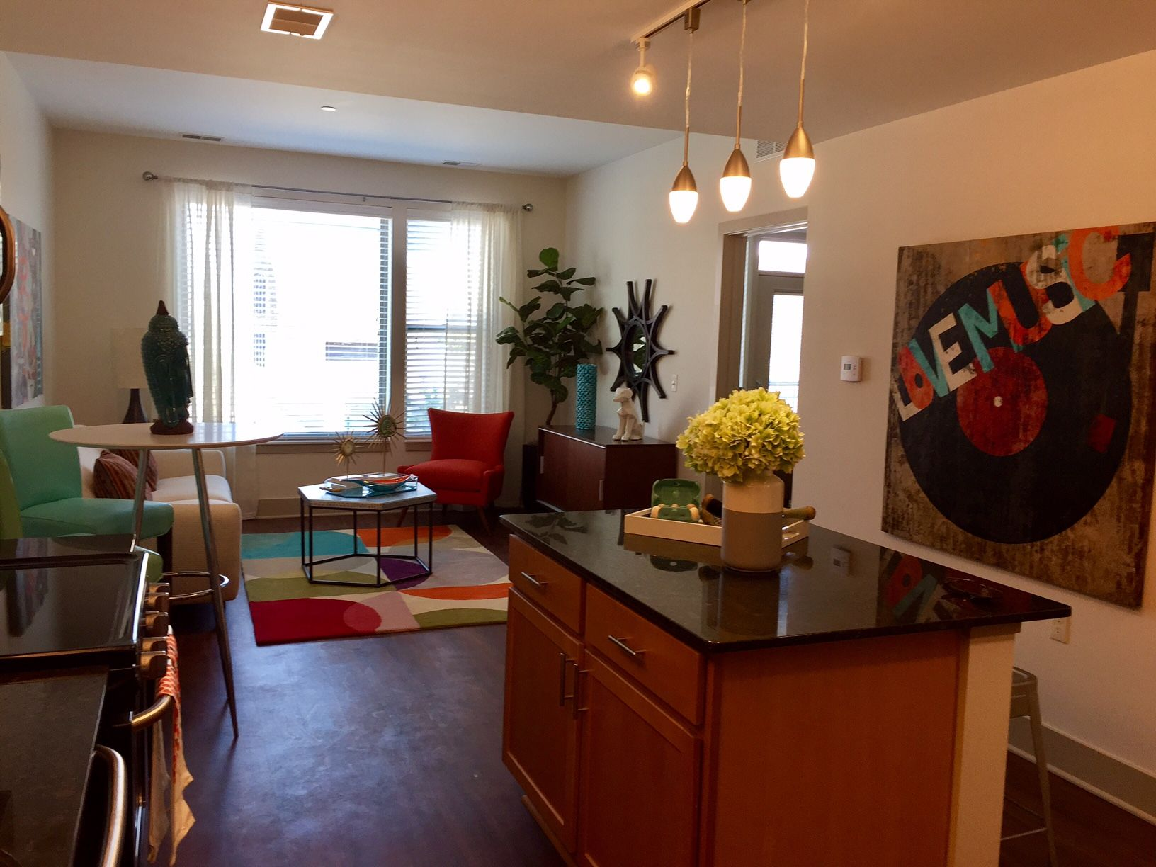 Orleans Landing Apartments Features Central Air Conditioning Modern Kitchen Apartmentliving Woodflooring U Modern Apartment Urban Living Apartment Living