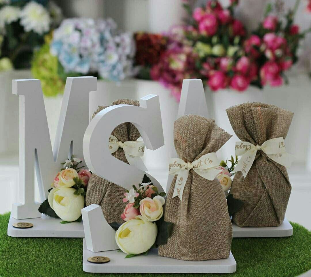 Pin By Mon On تغليف هدايا Decorated Gift Bags Wedding Shower Gift Eid Gifts