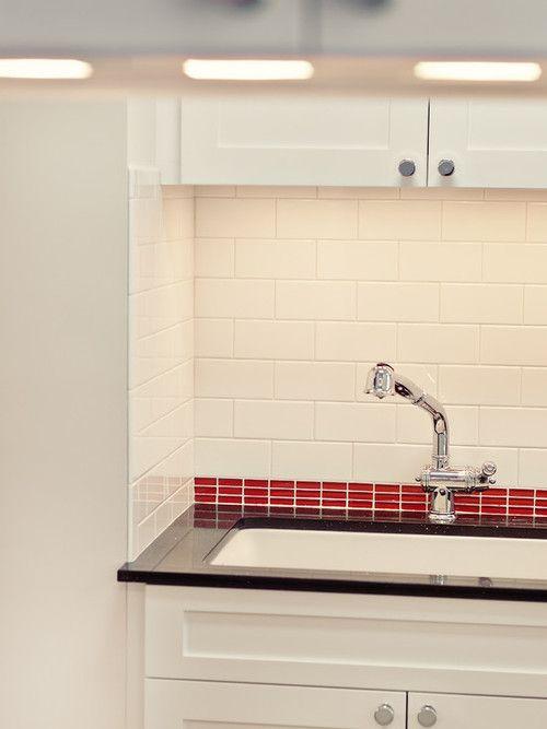 Fascinating Kitchen Details Using White Tile Backsplash And Red Glass Tile Lined Accent M White Tile Backsplash Contemporary Glass Kitchen Kitchen Tiles Design