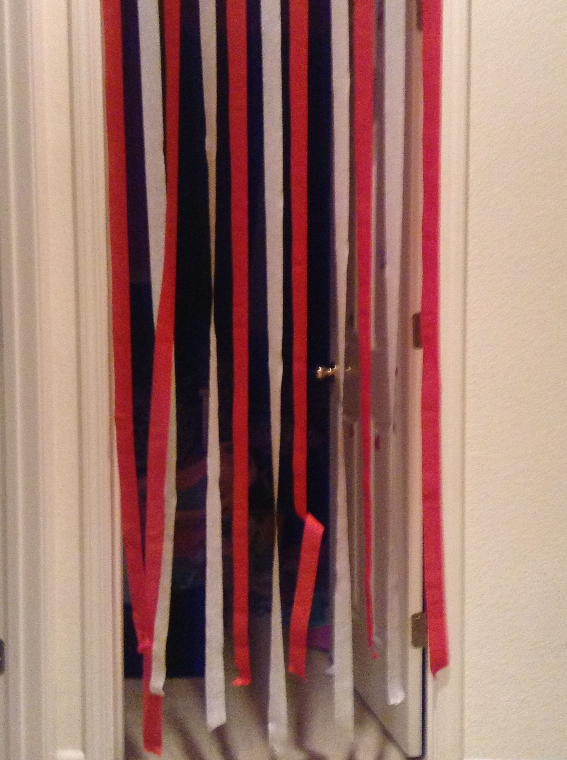 Our elf Sly decorated all door ways with streamers & Our elf Sly decorated all door ways with streamers | Elf on the ...