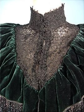 1880's/1890's HOUSE OF WORTH COUTURE Bottle Green Silk Velvet Beaded Capelet with Black Lace! Guaranteed a true and old WORTH piece. Detail
