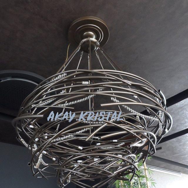 #lighting #lightings #lightingdesign #light #lightingdecor #chandelier #chandeliers #chandelierdecor #chandelierdesign #kristal #avize #modern #aydınlatma #tasarım #ozeltasarım #kisiyeozeltasarim #detay #avizemodelleri #modernavize #içmimarlık #içmimar #sarkıt #sarkıtavize #sarkıtavizemodelleri #sarkıtavizeler #evdekorasyon #masalambası #aydınlatmatasarımı #avizeçeşitleri