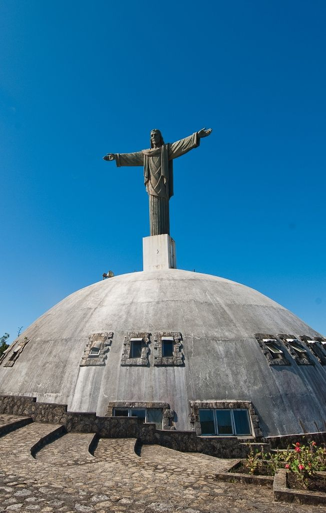 On Mount Isabel de Torres in Puerto Plata there is a statue of Christ the Redeemer, similar to that of Cerro de Corcovado in Rio de Janeiro.