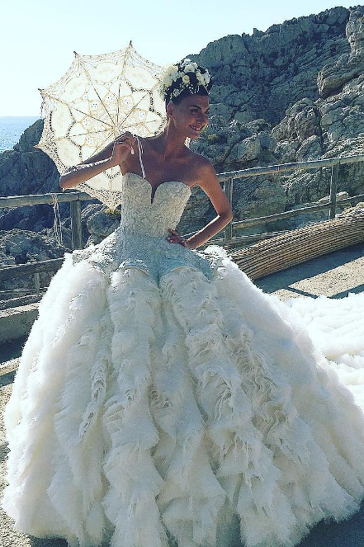 30 Wedding Gowns More Magical Than Kate Middleton\'s | Gowns, Wedding ...