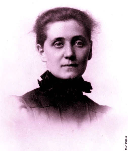 Jane Addams. In 1931 she became the first American woman to be awarded the Nobel Peace Prize and is recognized as the founder of the social work profession in the United States.