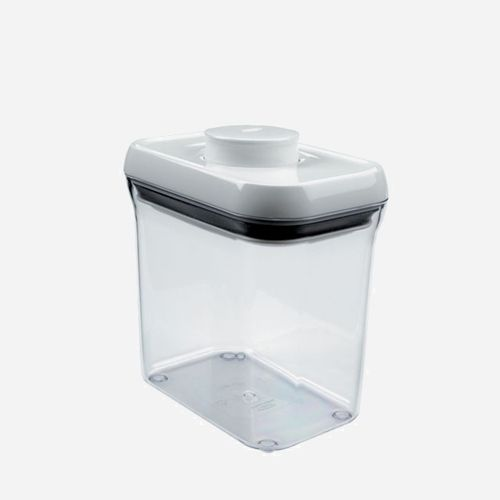 OXO CONTAINER:an airtight seal with just one touch