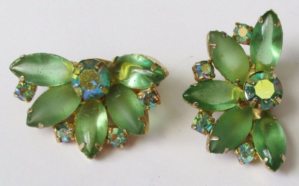 Vintage Frosted Green Glass Aurora Borealis Clip Earrings
