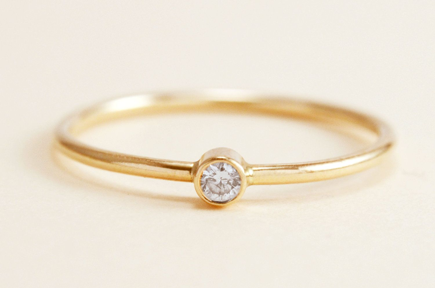 Simple gold wedding rings