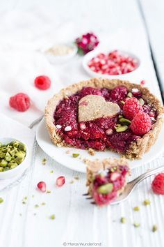 Raspberry Tartelettes with Pomegranate Seeds and Orange • from Maras Wunderland
