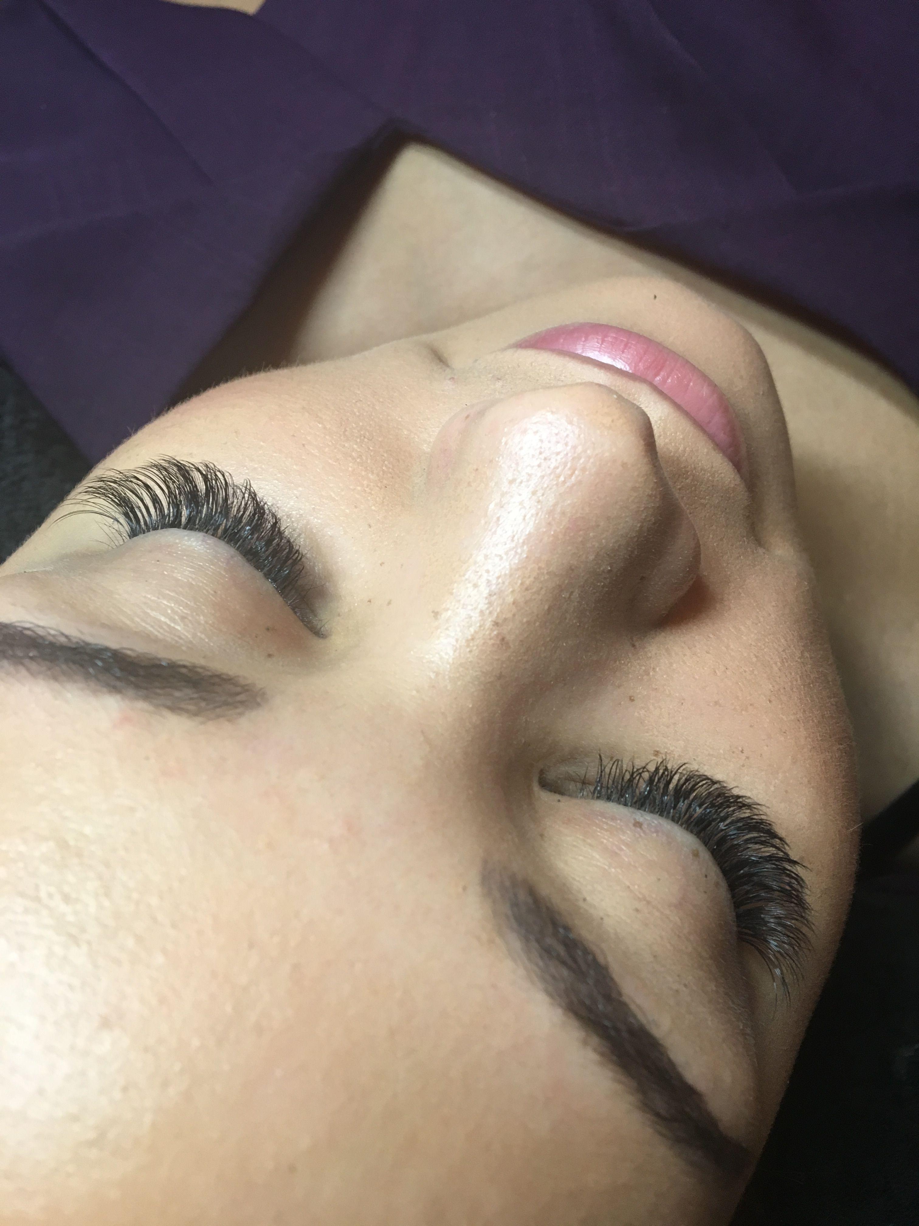 Hybrid lash set by kimberley dredge lashes eyelash