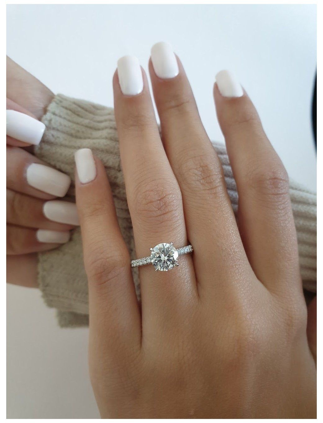 Rebecca 1 5 Carat Engagement Ring Round Rebecca Has A Gorgeous 1 50 C In 2020 Brilliant Engagement Rings Round Brilliant Engagement Ring Round Engagement Rings