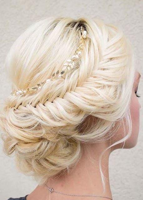 15 Indian Bridal Hairstyles For Short To Medium Length Hair Hair Styles Long Hair Wedding Styles Romantic Wedding Hair