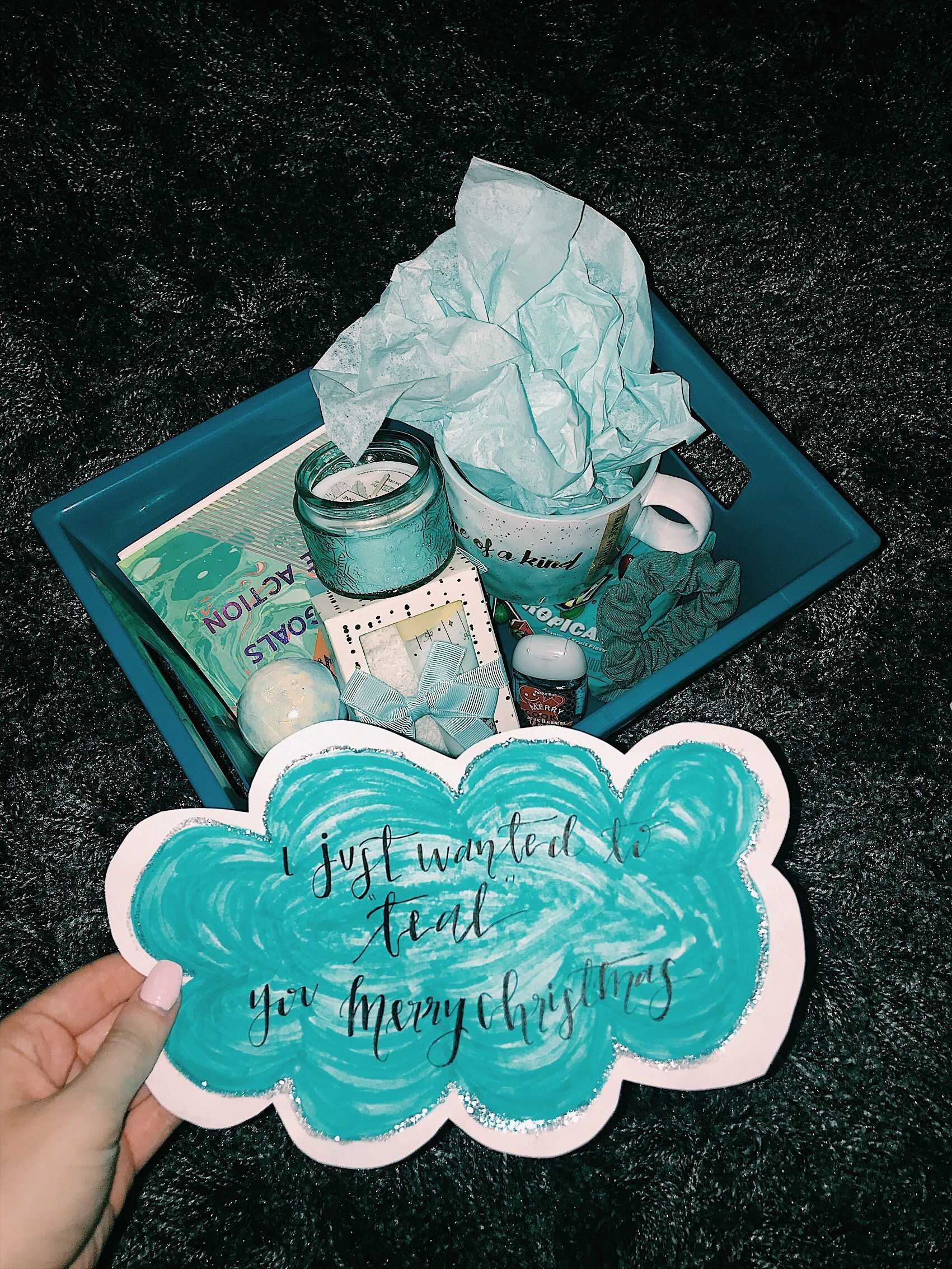 Teal Themed Gift Basket Teal Box Christmas Gift Vsco Cloud B In 2020 Themed Gift Baskets Bff Birthday Gift Friend Birthday Gifts