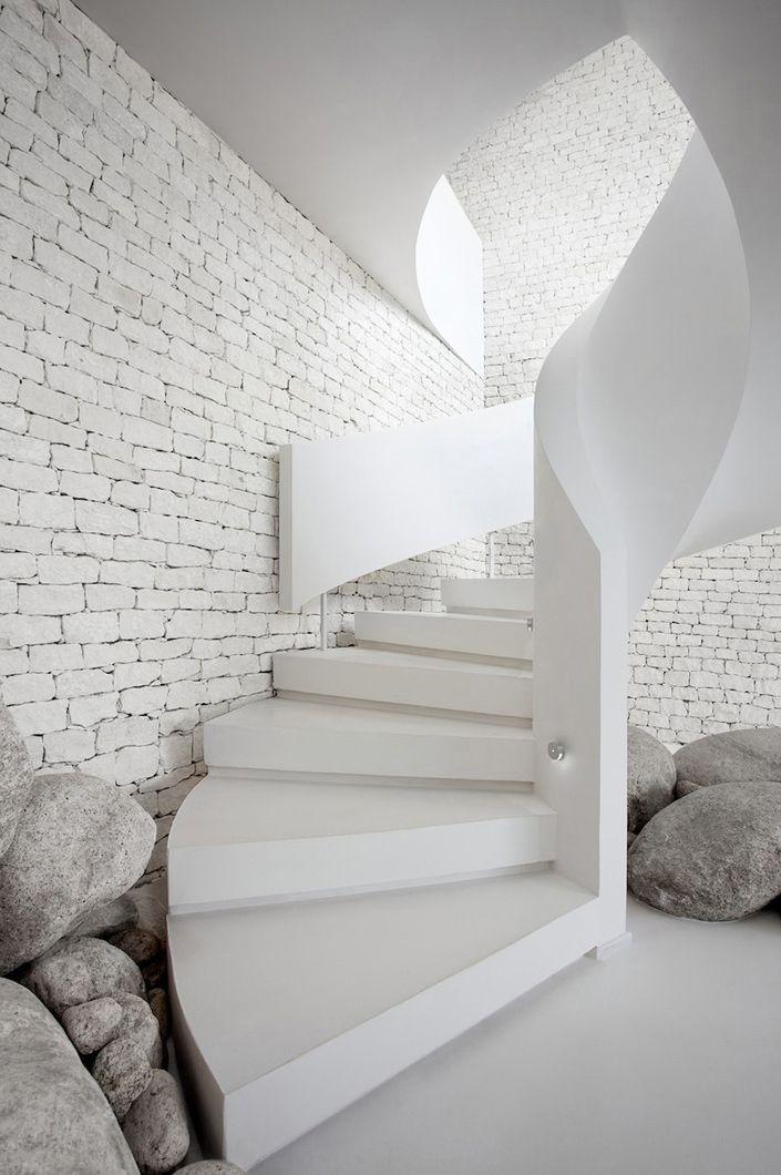 Renaud Dejeneffe escalera blanco espacio ladrillo Escalera