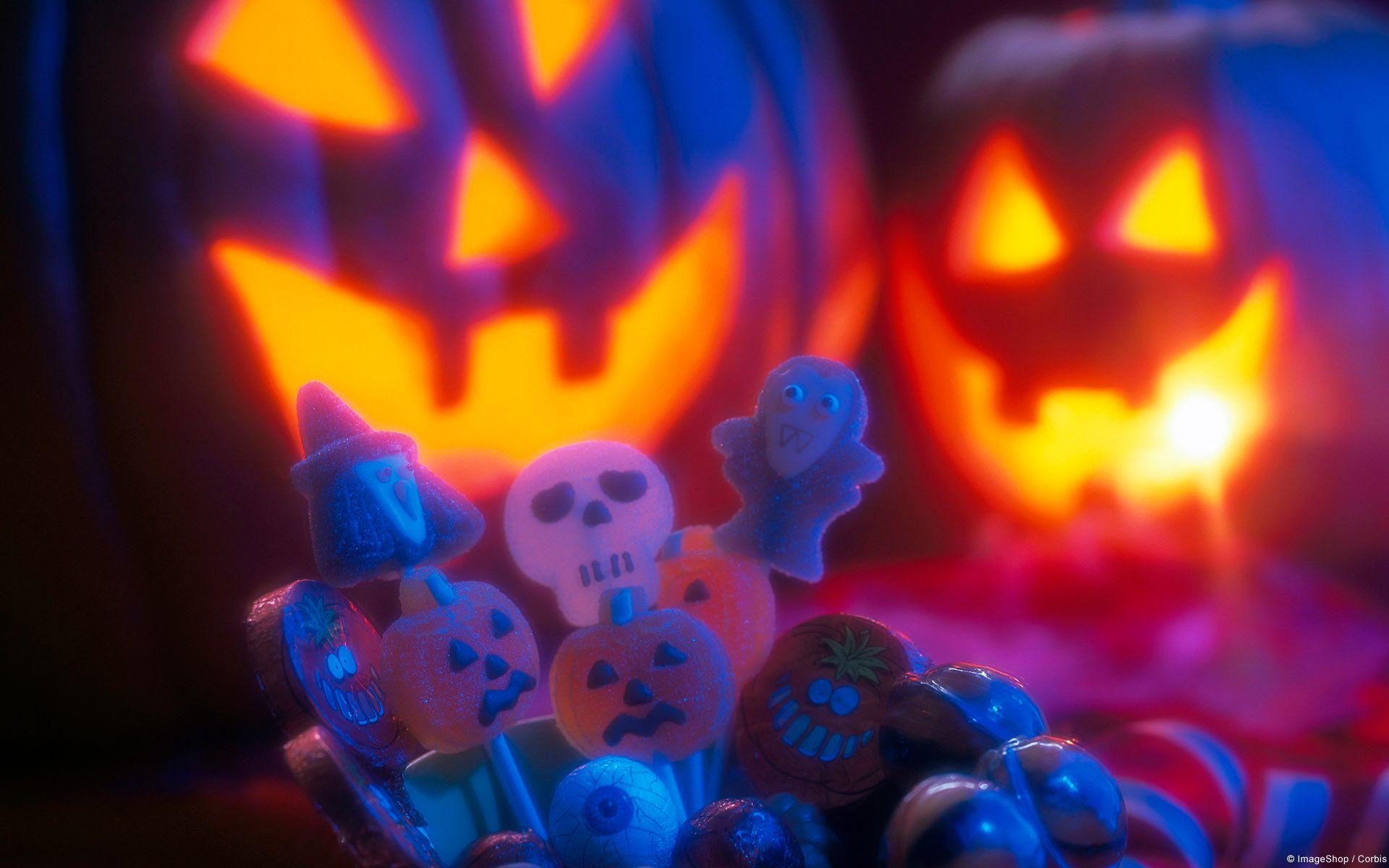 Downloads For Windows Windows Help Halloween Wallpaper Free Halloween Wallpaper Halloween Desktop Wallpaper