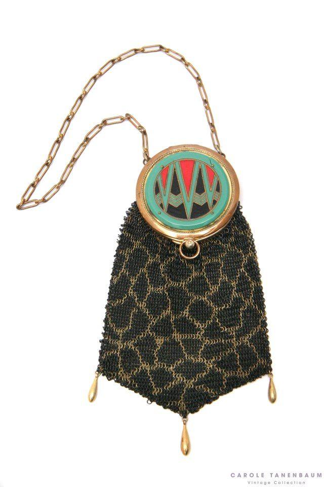 Beautiful 1920's Deco enamel lid mesh purse.