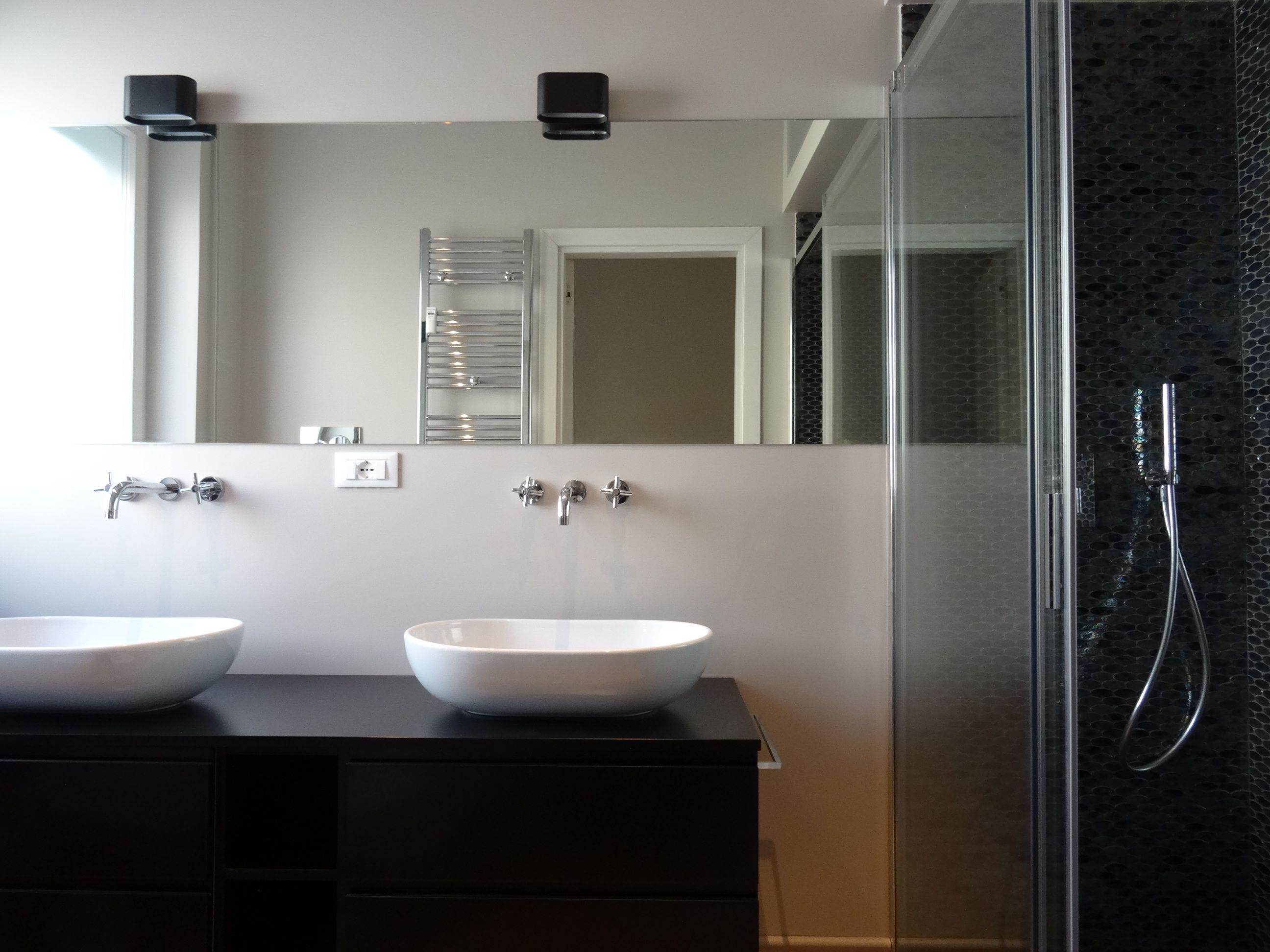 Bagno Nero ~ Cromie maschili il bagno con la carta da parati wall&� www