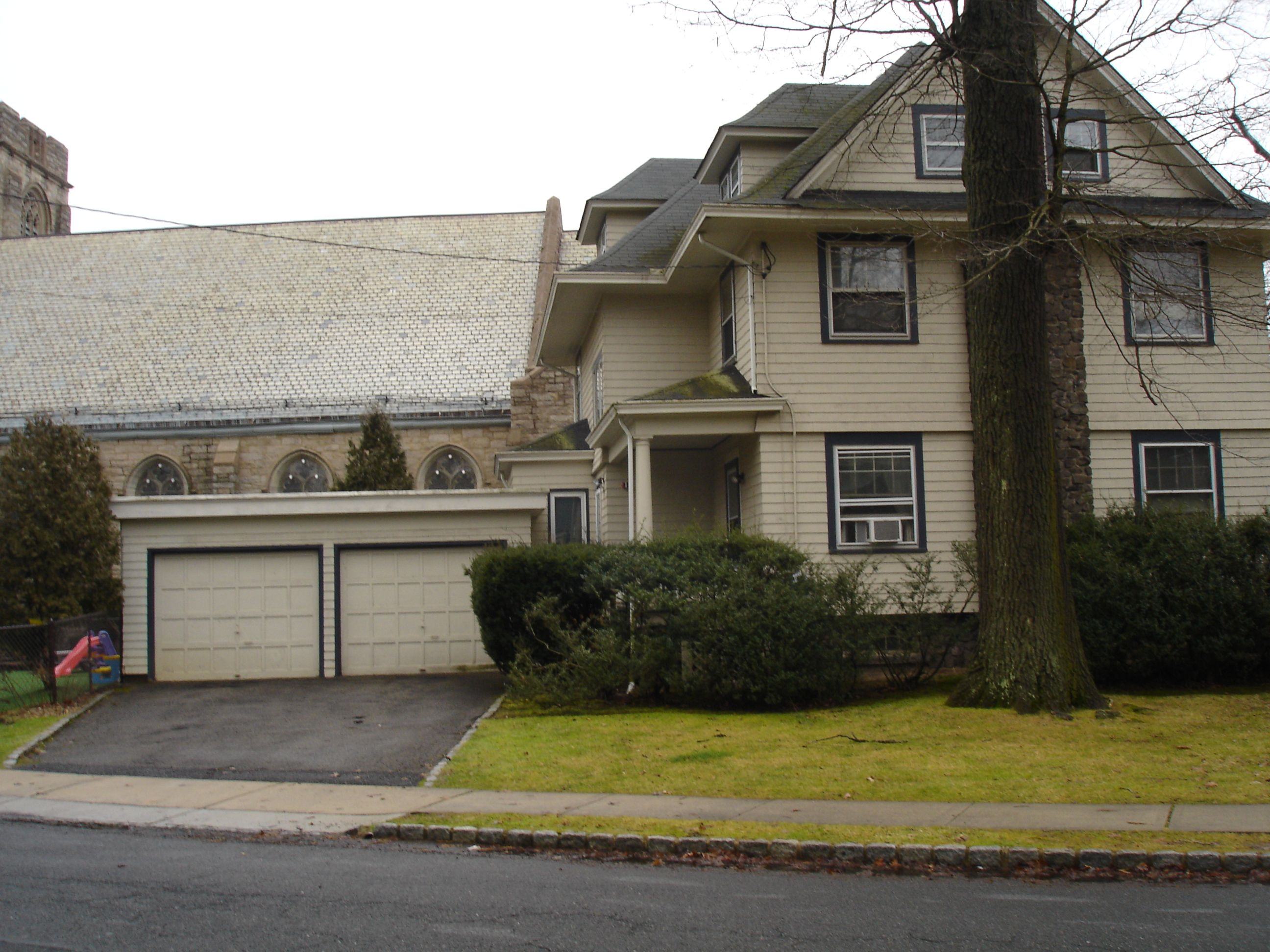 Upper Montclair Nj Home For Rent 2 250 00 Per Month Single Family 5 Bedroom 3 Story House Living Renting A House 3 Bedroom House Finding Apartments