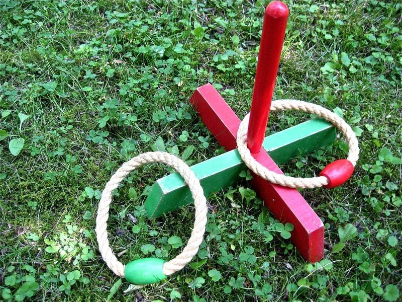 RIng Toss Lawn 1940 Vintage Outdoor Game - Old Fashioned Lawn Game ...