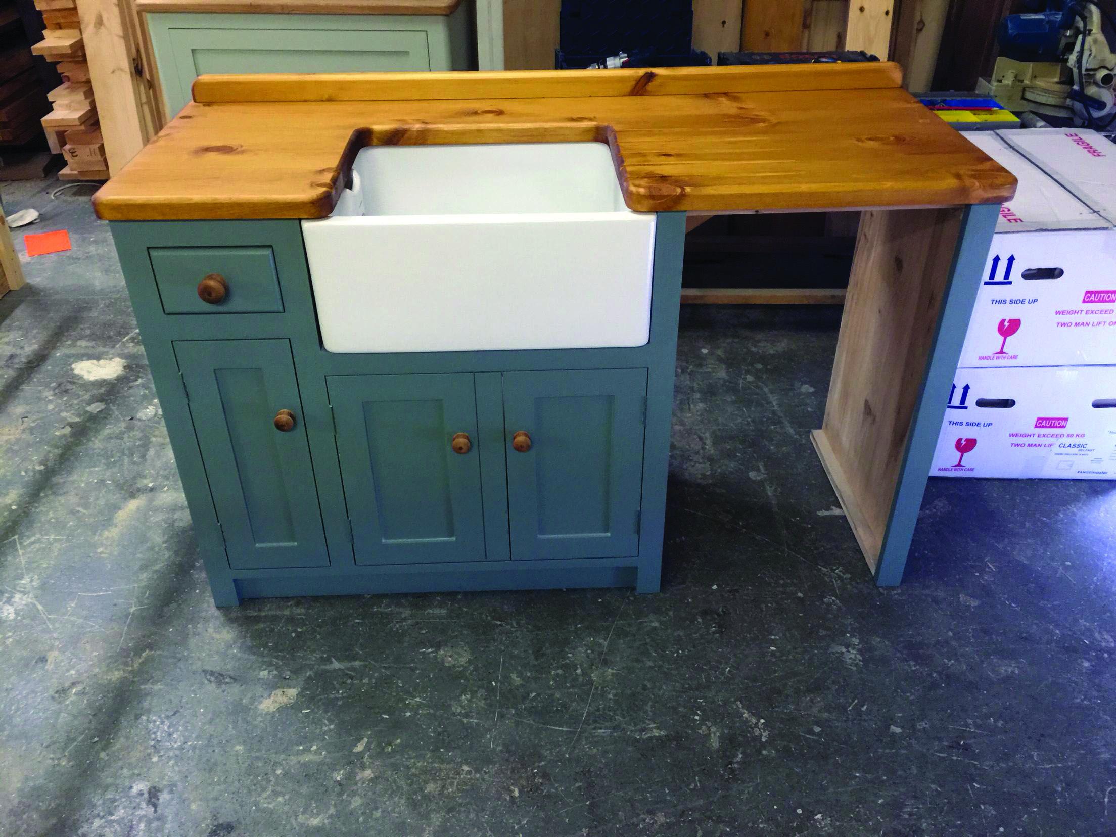 16 Flexible Freestanding Kitchen Area Suggestions Kitchen Sink Units Kitchen Island With Sink Butler Sink