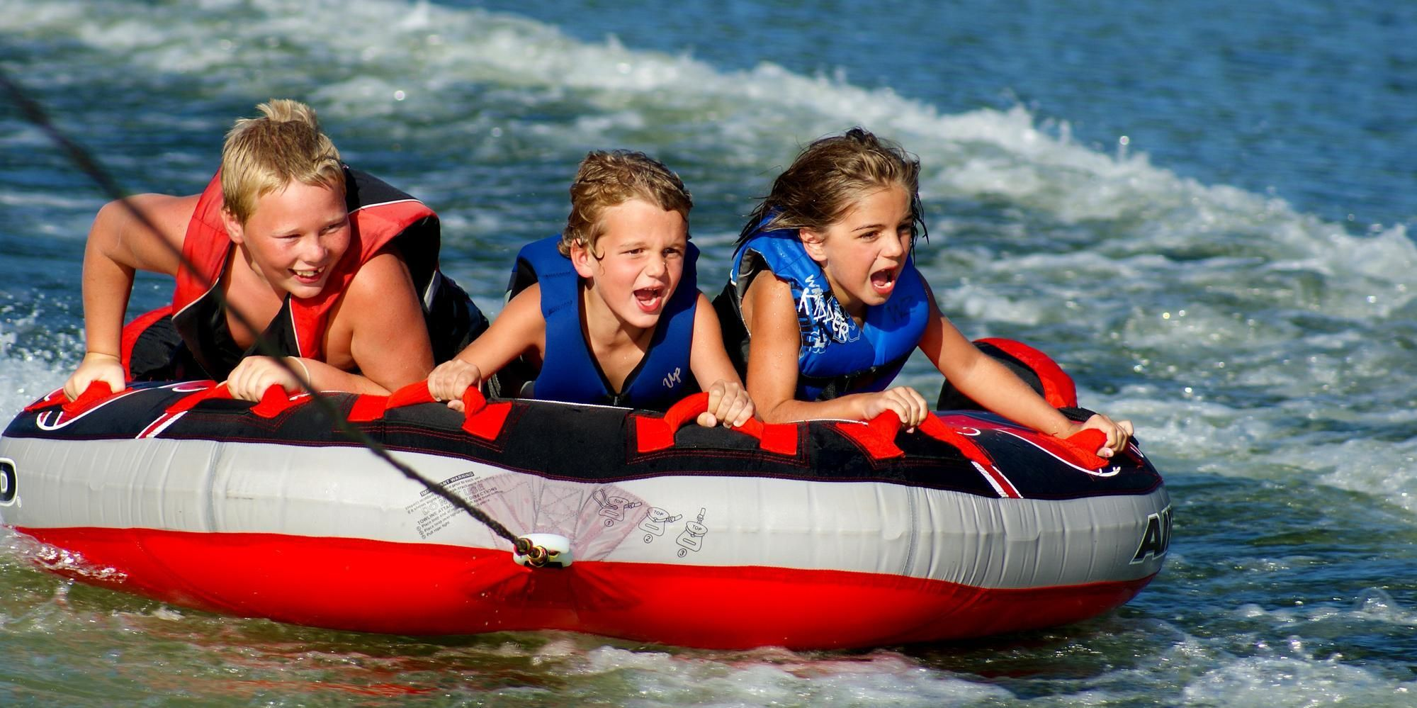 Fun for all ages at lake ouachita houseboat rentals