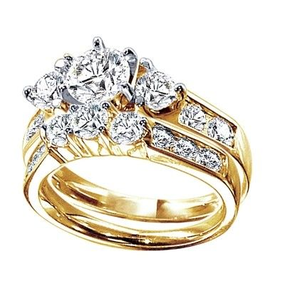 Only You Brilliant Round Diamond Bridal Set in Yellow Gold 1 ct