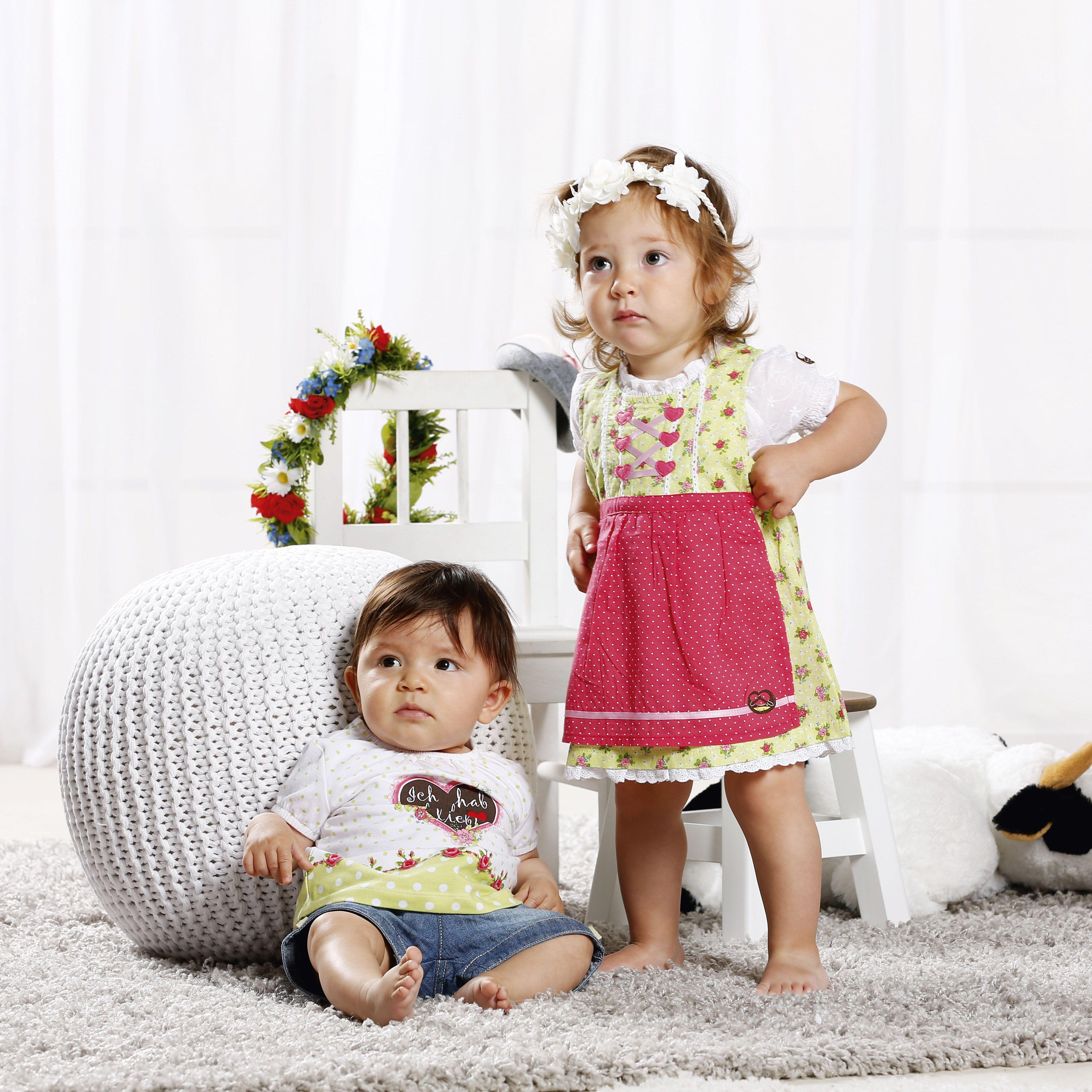 Kinderdirndl und Trachtenblusen für kleine Mädchen von BONDI ...
