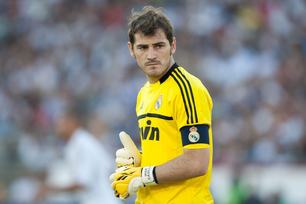 Iker Casillas Goal Keeper Real Madrid 2014 HD Wallpaper