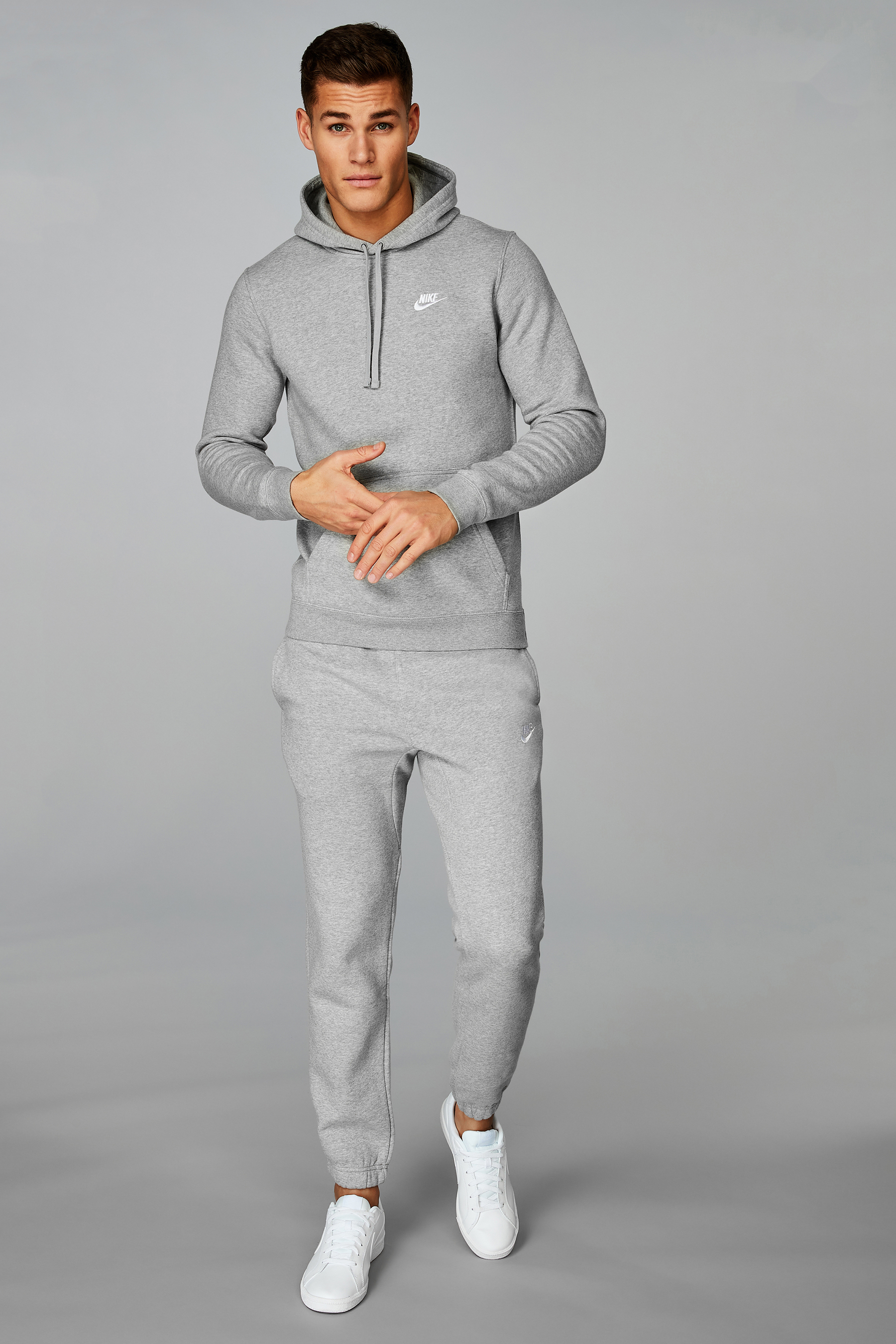 Nike Club Joggers in 2020 | Joggers outfit, Grey nike