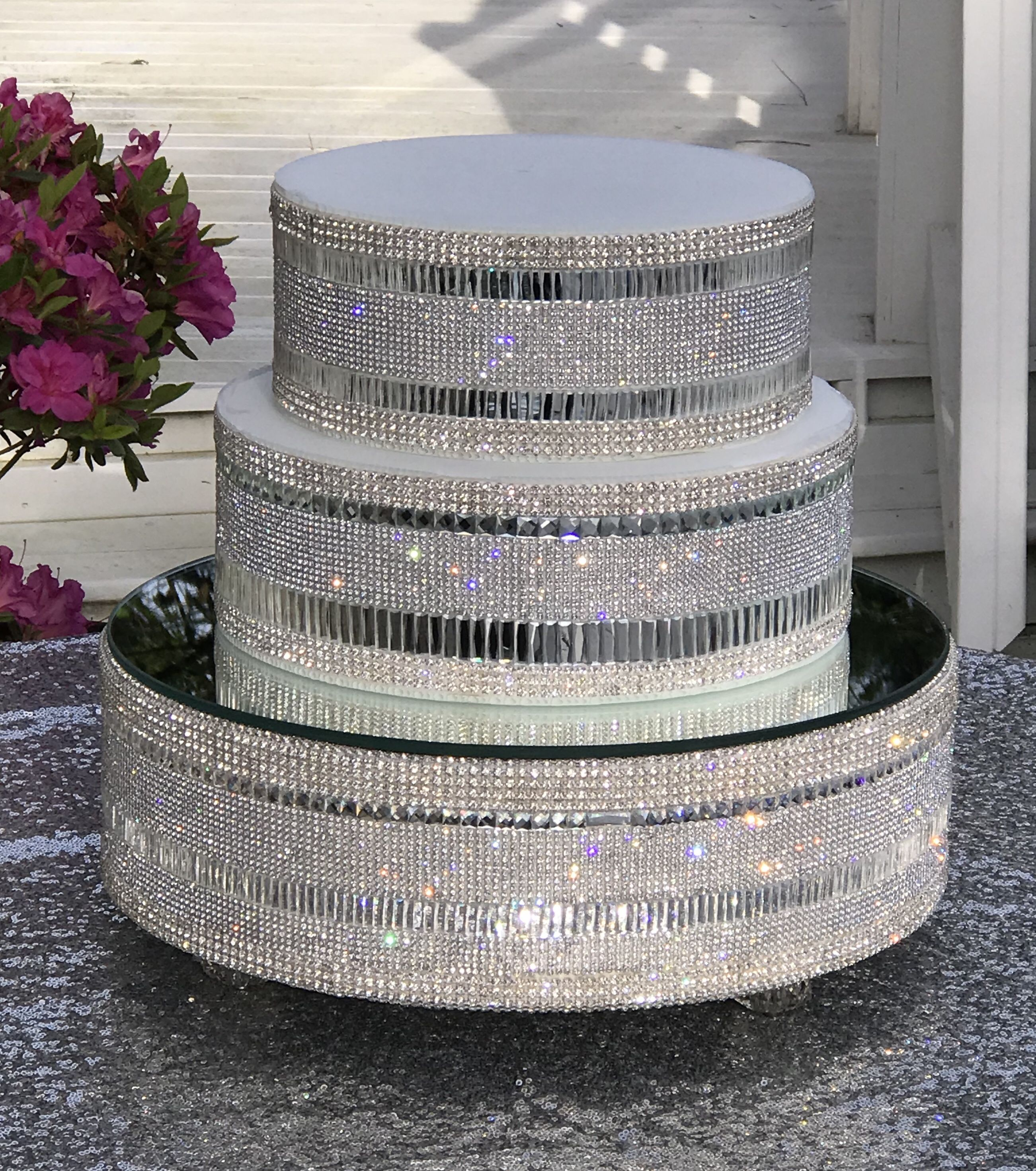 Cake stand with separators bling table numbers cake