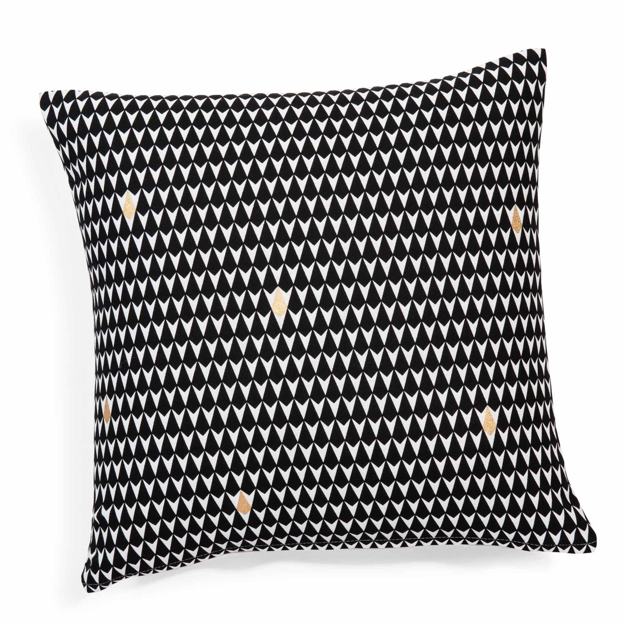 kissenbezug aus baumwolle mit dreiecksmotiven 40 x 40 cm schwarz wei marcel pinterest. Black Bedroom Furniture Sets. Home Design Ideas