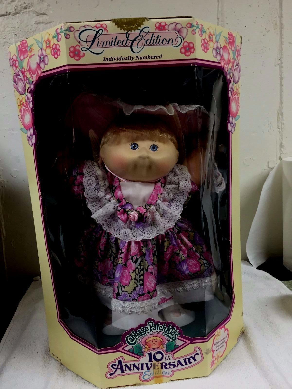 Reduced 10th Anniversary Edition 1992 Cabbage Patch Kid Sealed In Box Zora Mae Dolls Bears Dolls Cabbage Patch Kids Cabbage Patch Cabbage Patch Babies